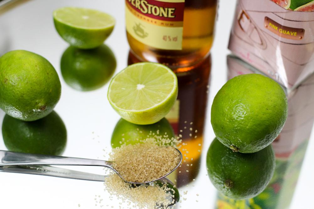 Mädelsabend Cocktail Limetten Happy Day Pink Guave Marina Hoermanseder exklusive Foodblog Rezept 3