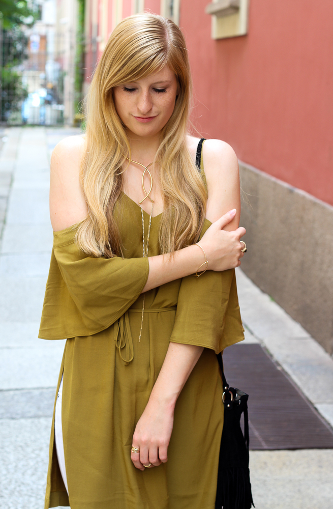 Sommertrends 2016 schulterfreies Top Olive H&M Streetstyle Mailand Modeblog 2