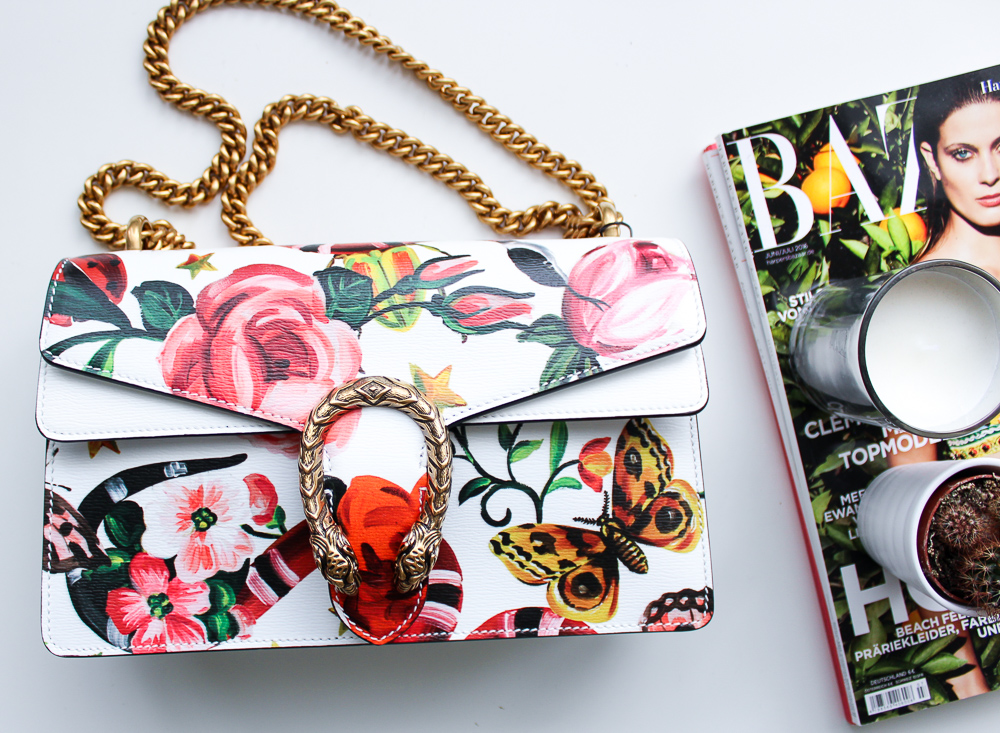 exklusive Designertasche Gucci Dionysus Garden-Print Modeblog Trendtasche Weiß Gold Blogger