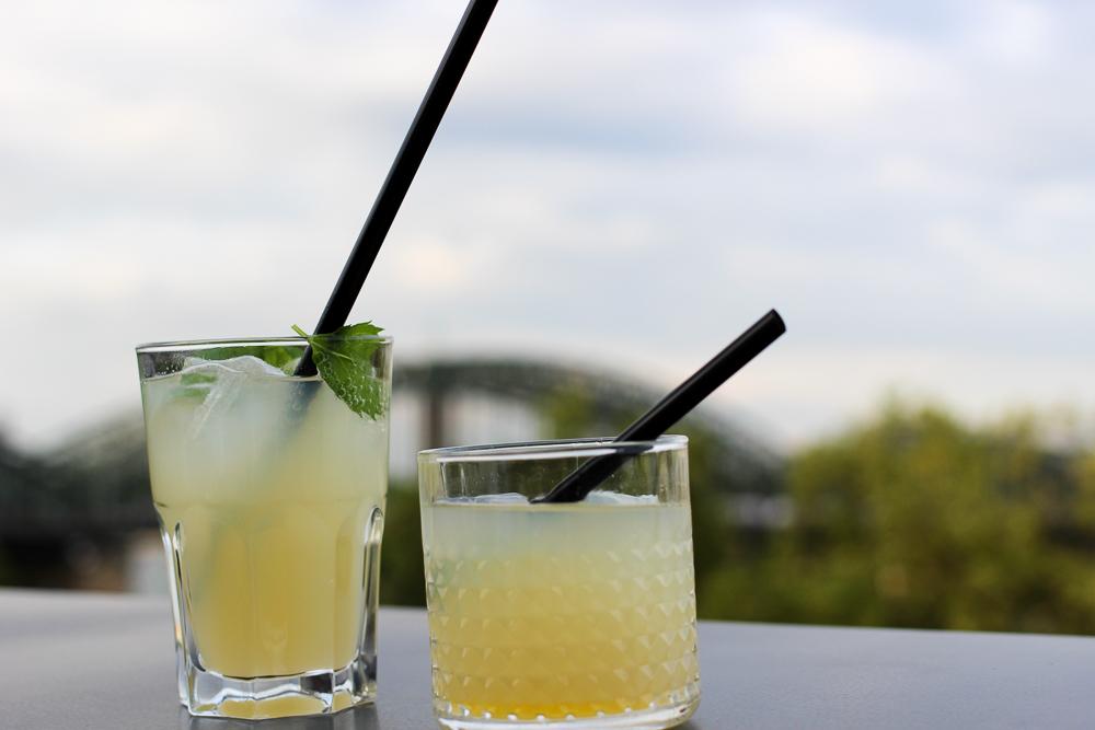 After Work Cocktails mit Sanpellegrino Aperitivo über den Dächern von Köln