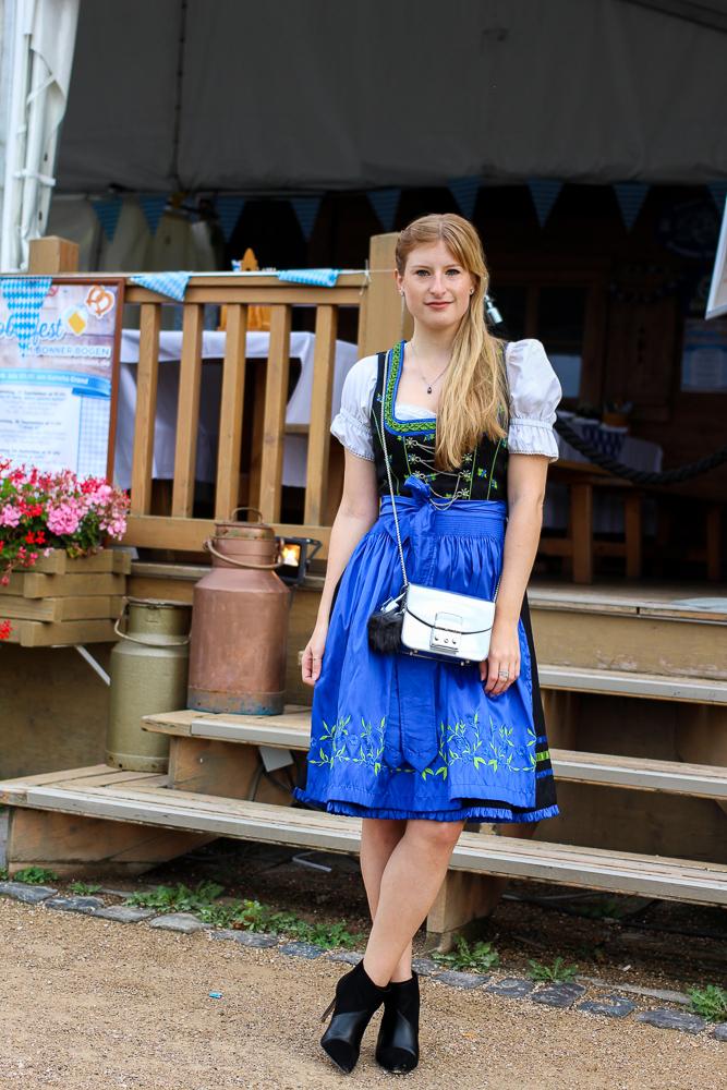 Dirndl Modeblogger Bonn kombinieren Oktoberfest Outfit Trends BrinisFashionBook