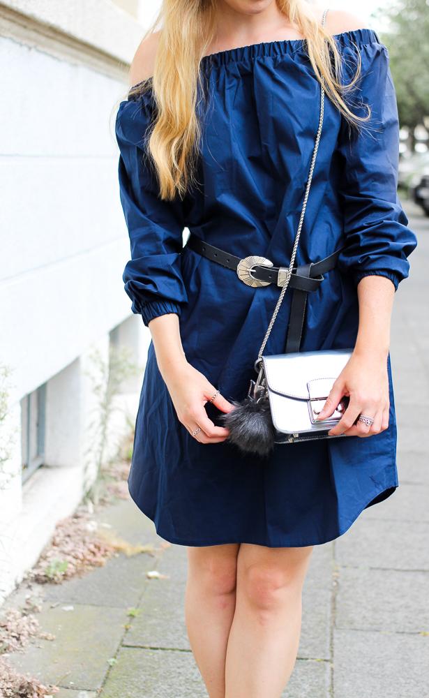 Off-Shoulder Kleid Sommertrend kombinieren Zara Stiefeletten Furla Metropolis silber Modeblog Köln 4
