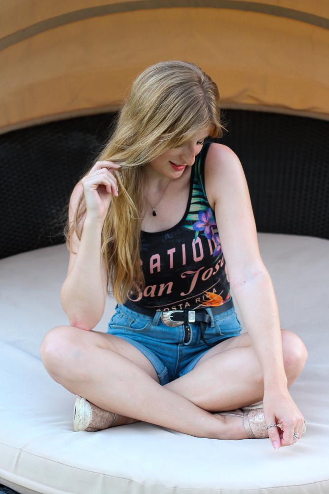 Sommertrend 2016 Print Body Asos Urlaubsoutfit Jeans Hotpants Modeblog Espadrilles 8