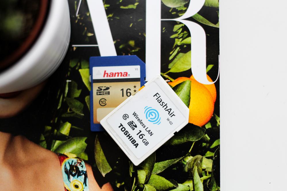 Blogger Reise Equipment Must Haves Reise Essentials für Blogger Reise Tipps Reiseblog Objektiv SD-Karte FlashAir