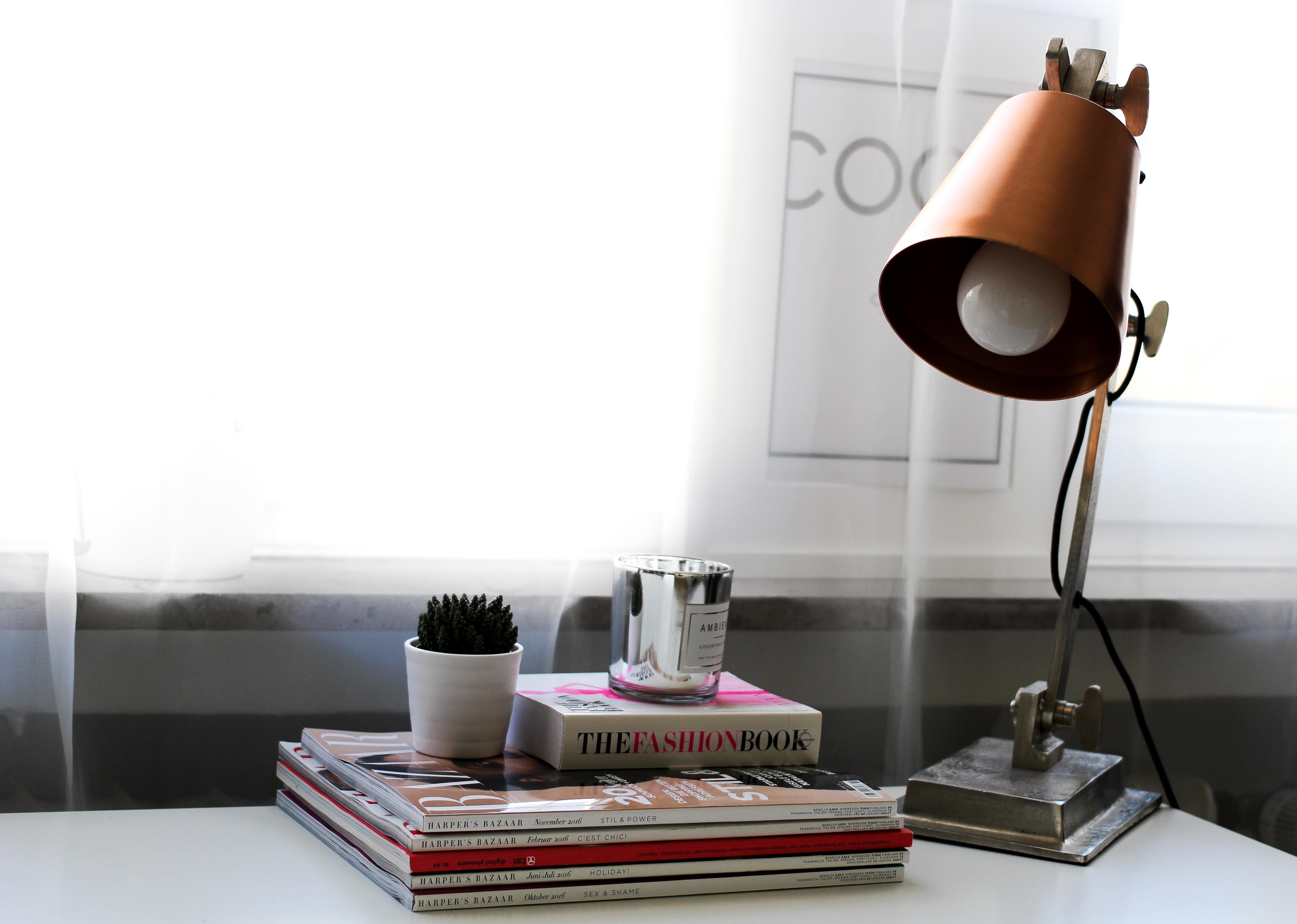 Blogger Tipps Vollzeitjob Bloggen Interior Blogger Arbeitsplatz Lampe Kupfer