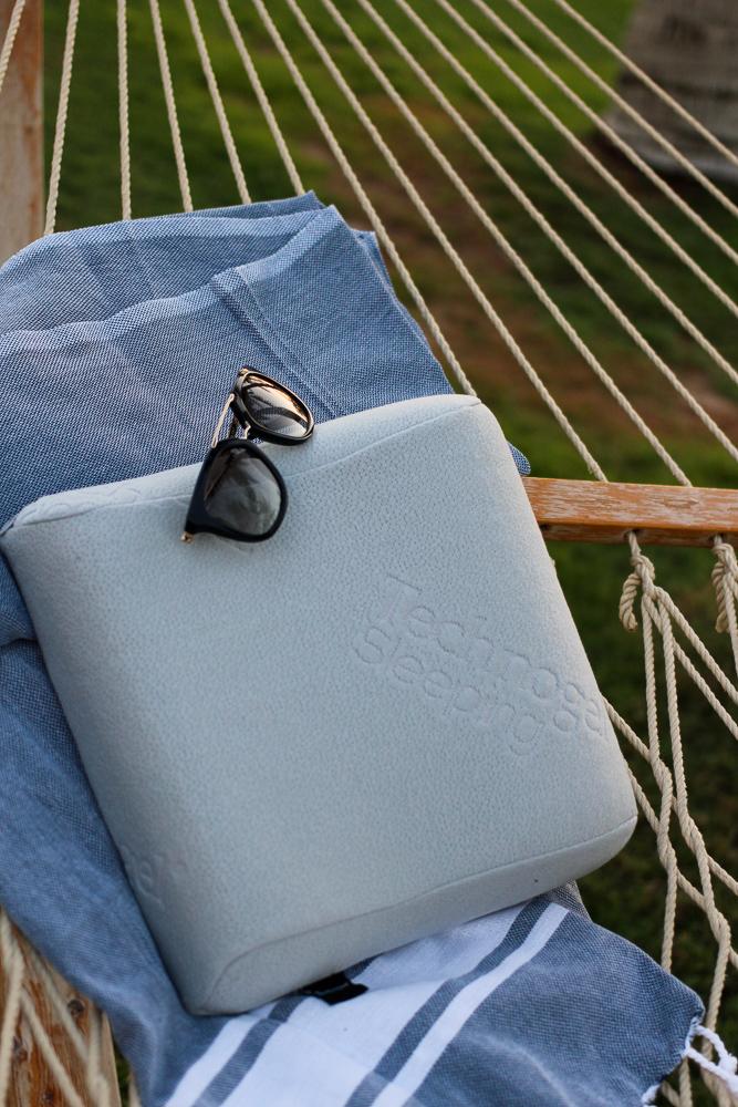 Must Haves Reise Essentials für Blogger Technogel Kissen Dormando Reiseblog Hängematte