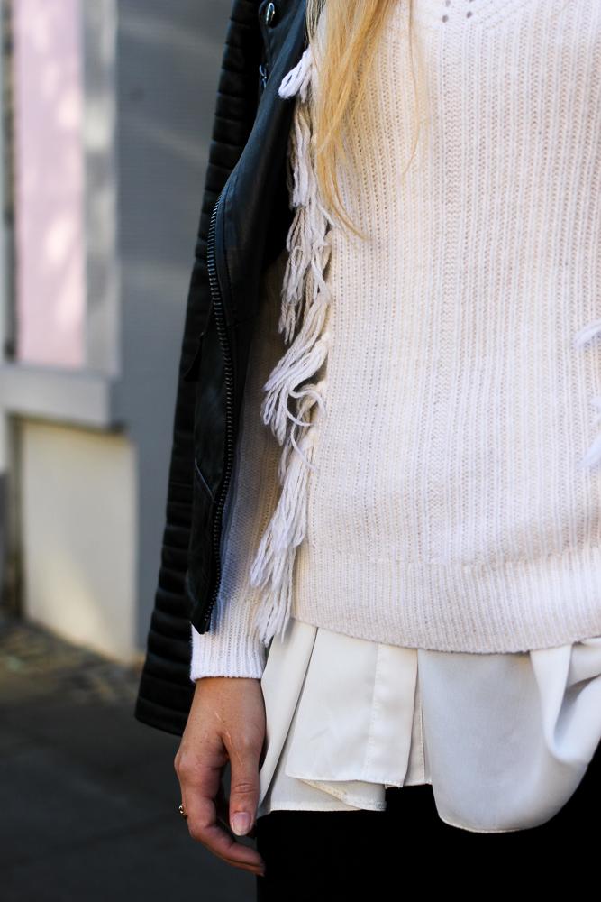 Schwarze Lederjacke kombinieren Wollpulli Layering Bluse Modeblog Brini 9