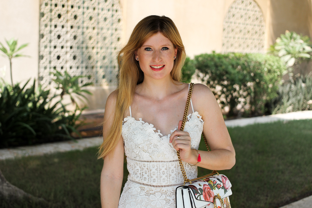Weißes Spitzenkleid Gucci Dionysus OOTD Outfit Modeblog summer street style 91