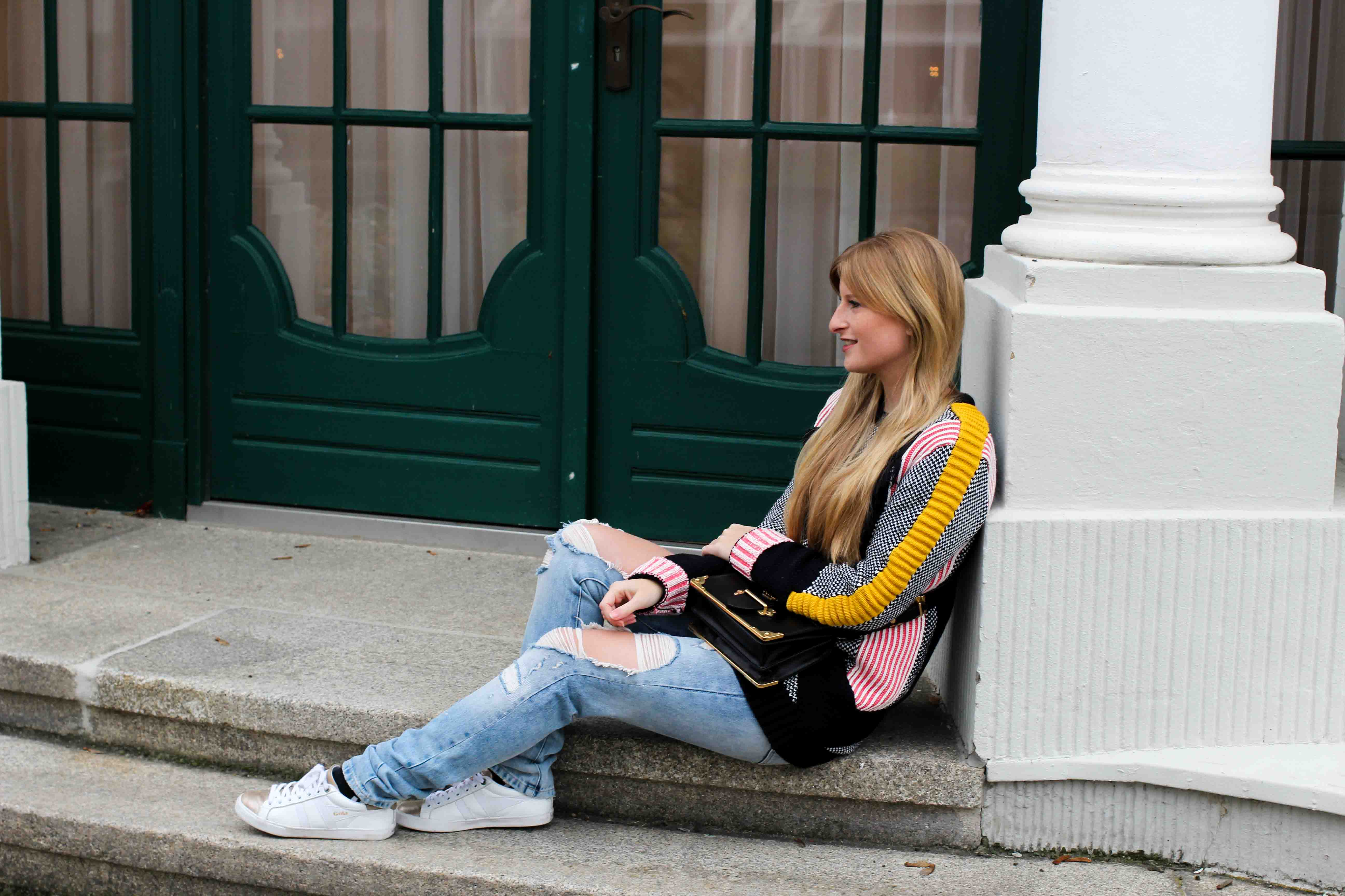 Streetstyle Bunter Wollpullover Asos Statementpullover Ripped Jeans Fashion Blog 4