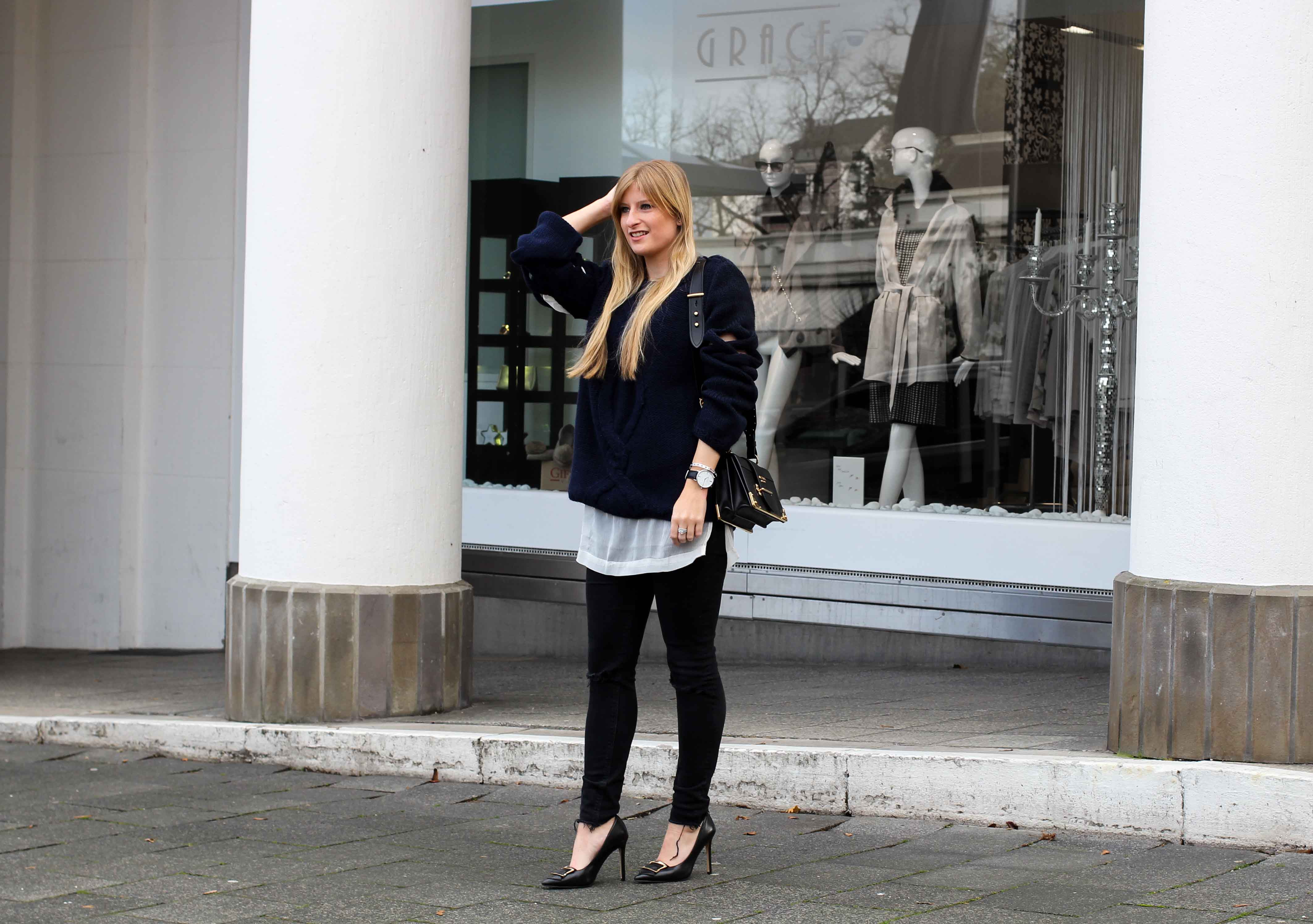 Streetstyle Wollpullover mit Cut-Outs Zopfmuster Asos Prada Tasche Modeblogger 7