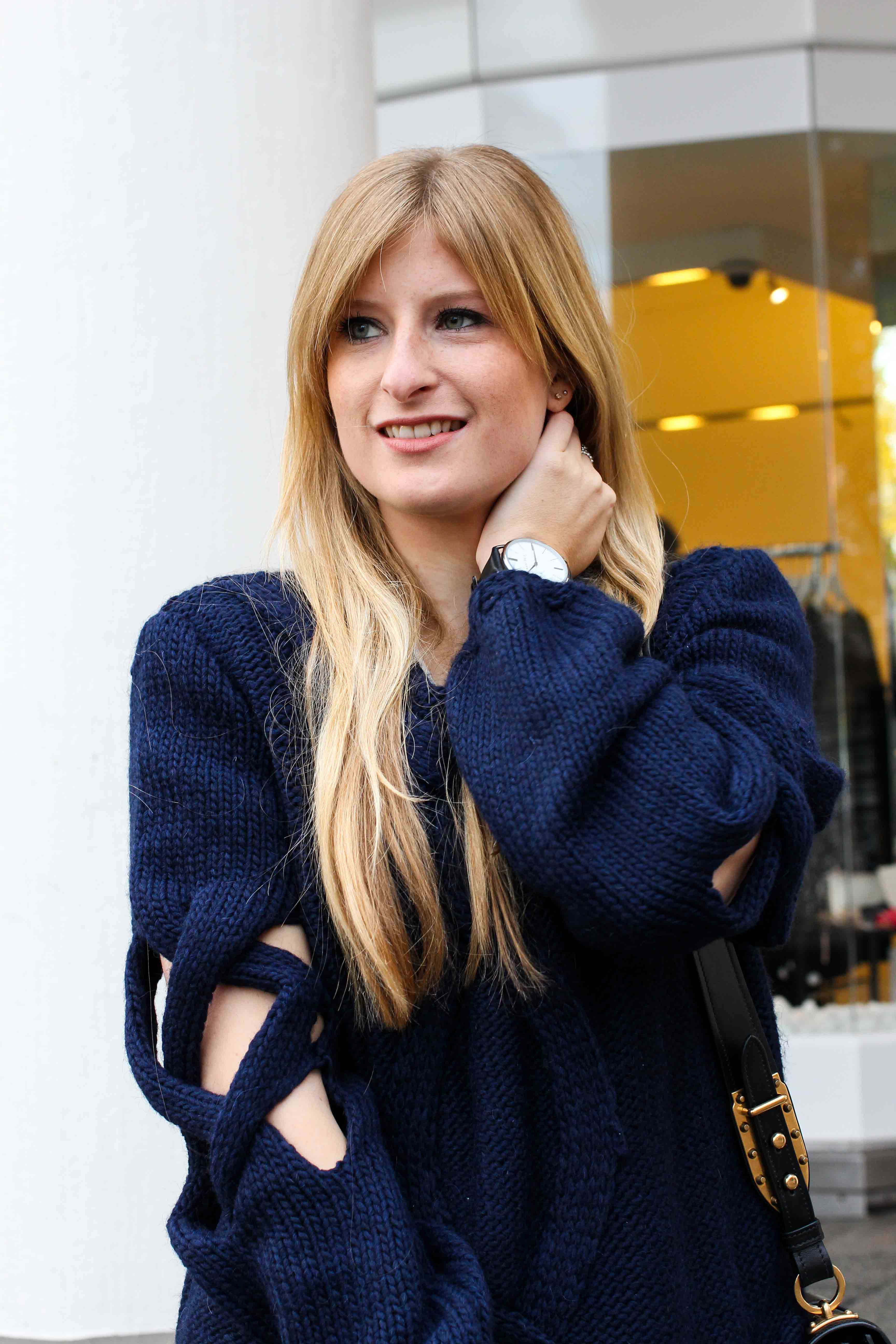 Streetstyle Wollpullover mit Cut-Outs Zopfmuster Modeblogger 8