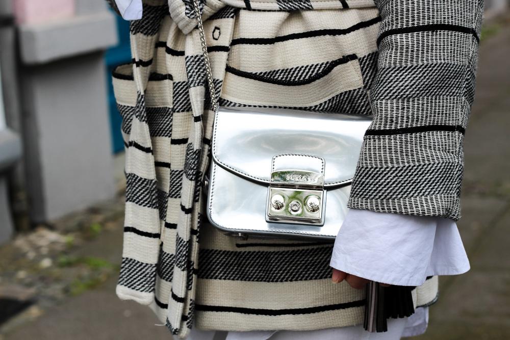 gestreifte Herbstjacke H&M Furla Metropolis silber kombinieren Fashion Blog Köln Outfit 3