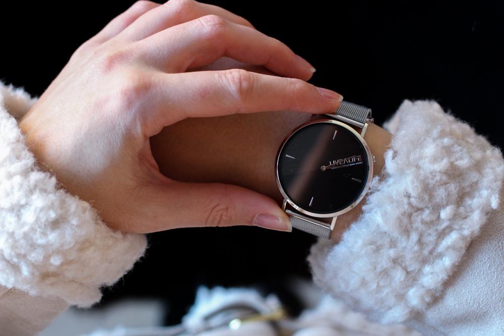 Advents-Gewinnspiel Fashionsparkle silberne Uhr LiveaLife Accessoires kombinieren Fashion Blog