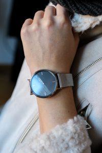 Advents-Gewinnspiel Fashionsparkle silberne Uhr LiveaLife Accessoires kombinieren Winter