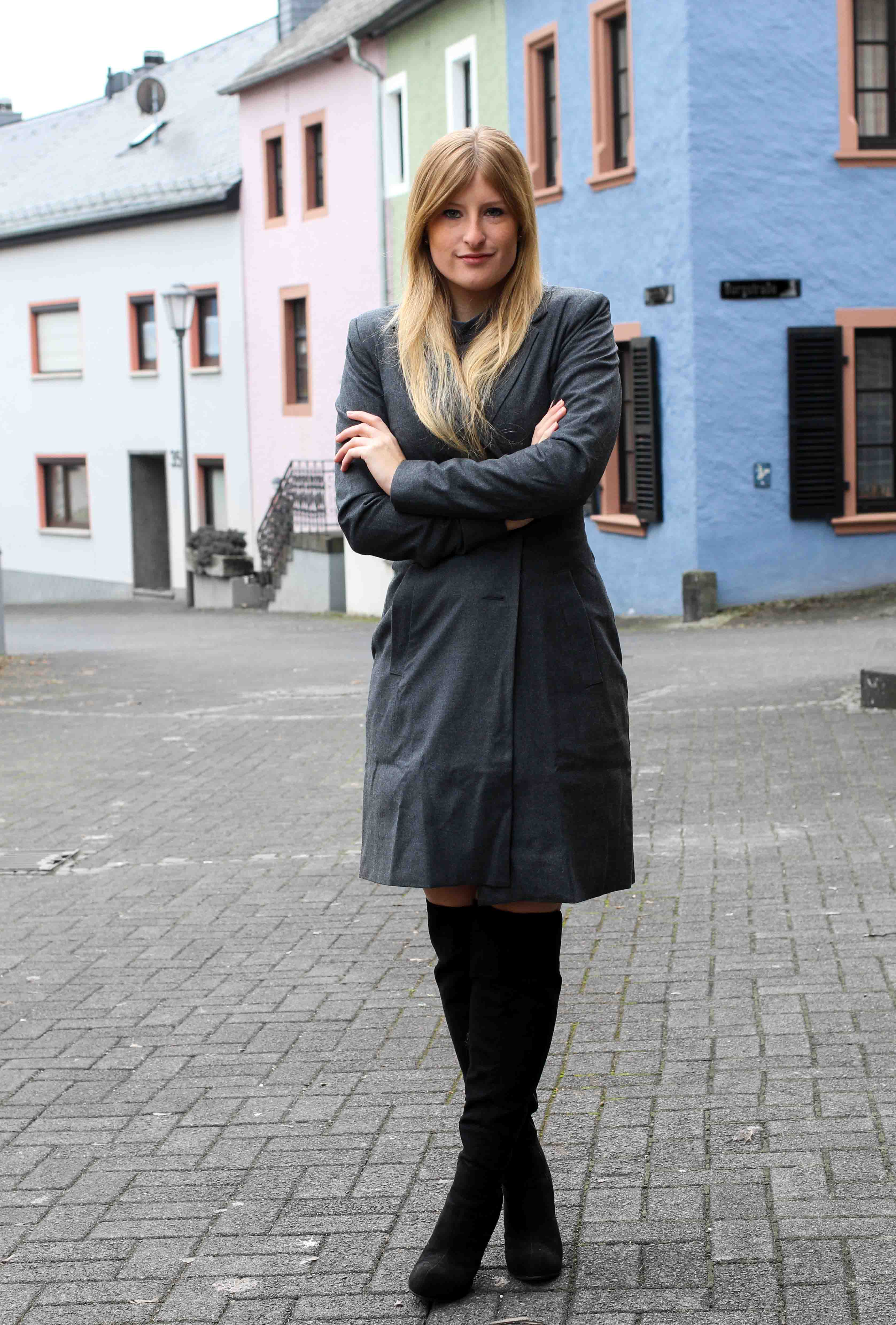 Closet London Mantel schwarze Overknees Winter Outfit Modeblog 2