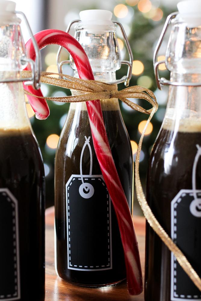 Lakritzlikör selbstgemachtes Weihnachtsgeschenk Lakritzschnap Rezept