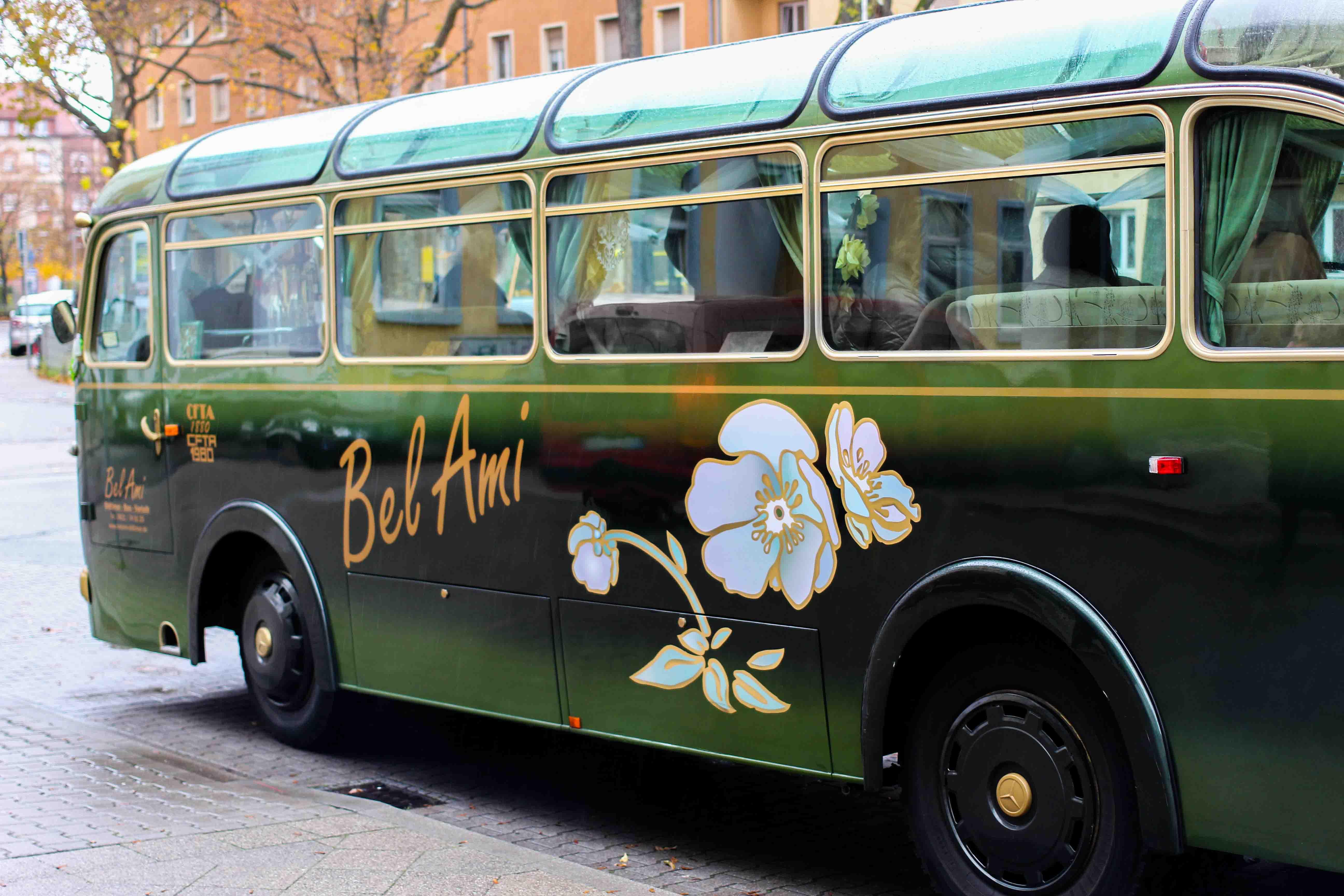 Mercure Weinlese Reiseblog Mannheim Champagner Bus Bloggerevent Oldtimer