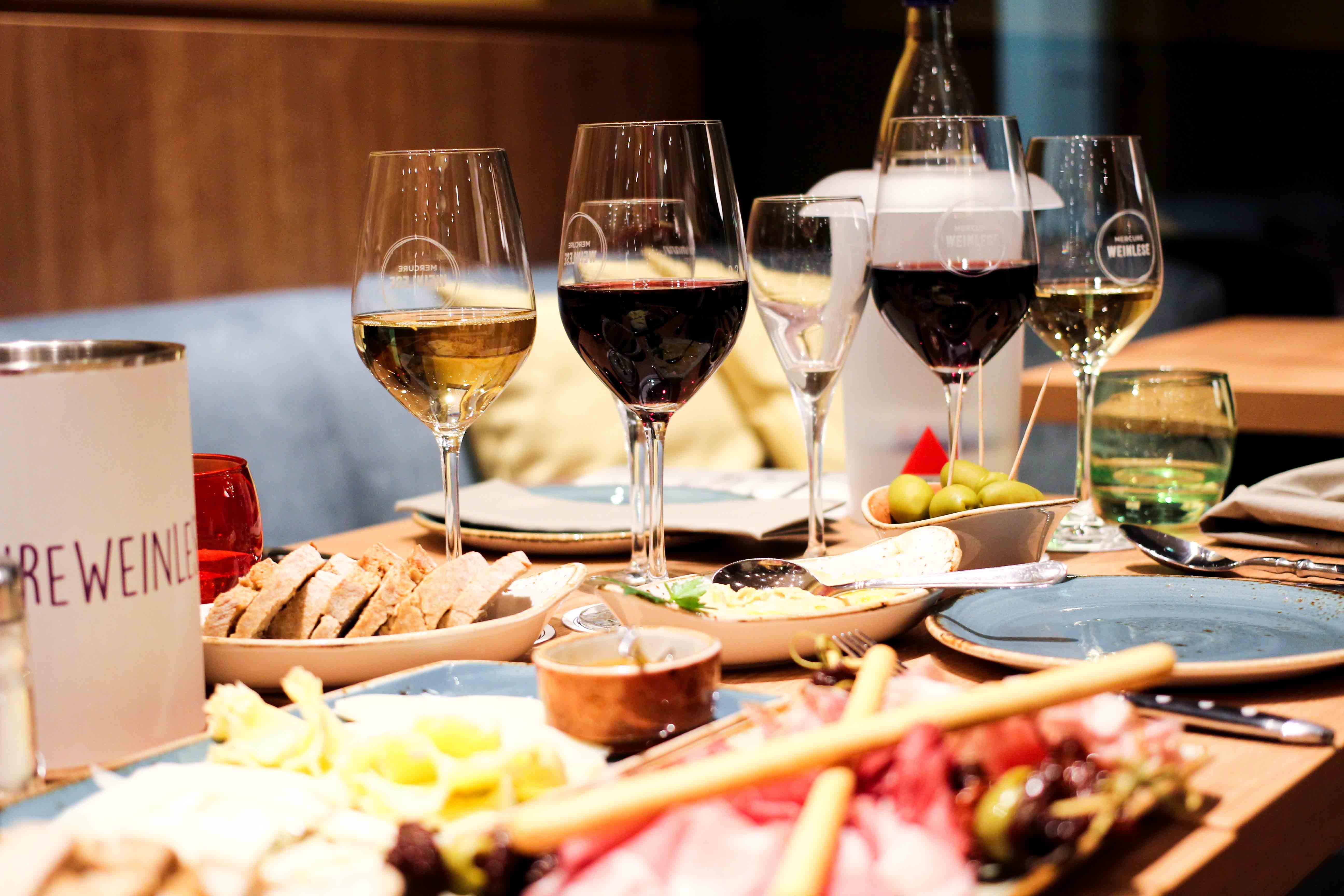 Mercure Weinlese Reiseblog Weinprobe Mercure Mannheim Antipasti Rotwein