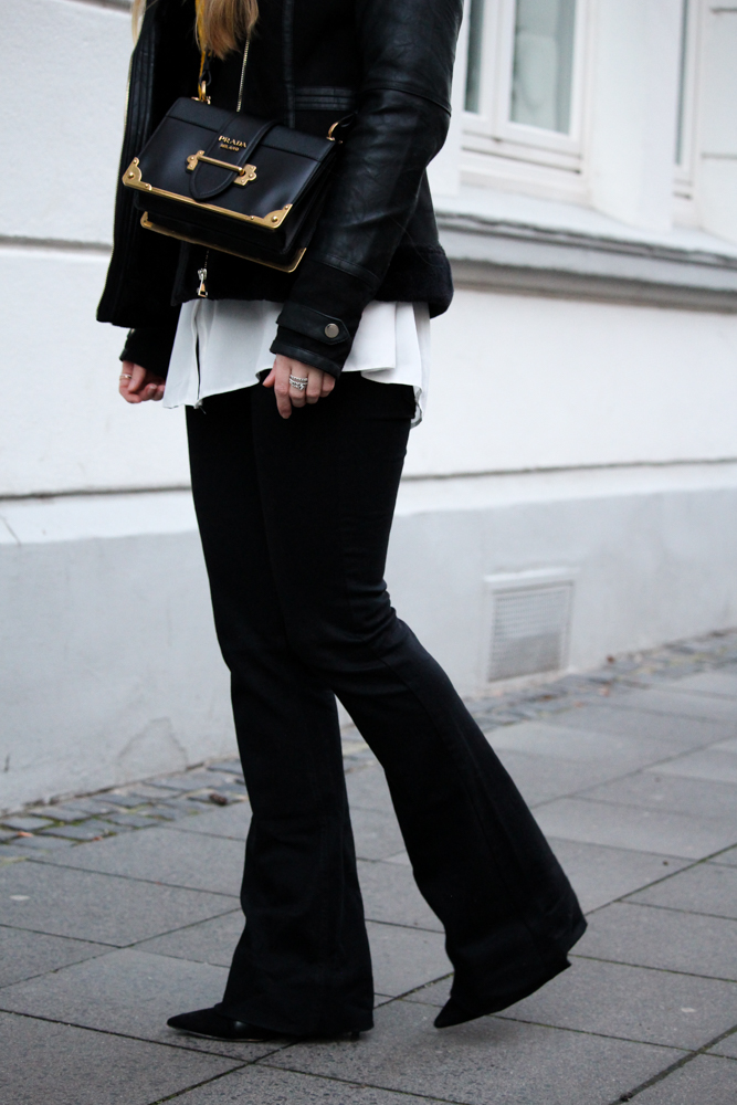 Schlaghose kombinieren Prada Cahier Bag Modeblog Bonn Streetstyle
