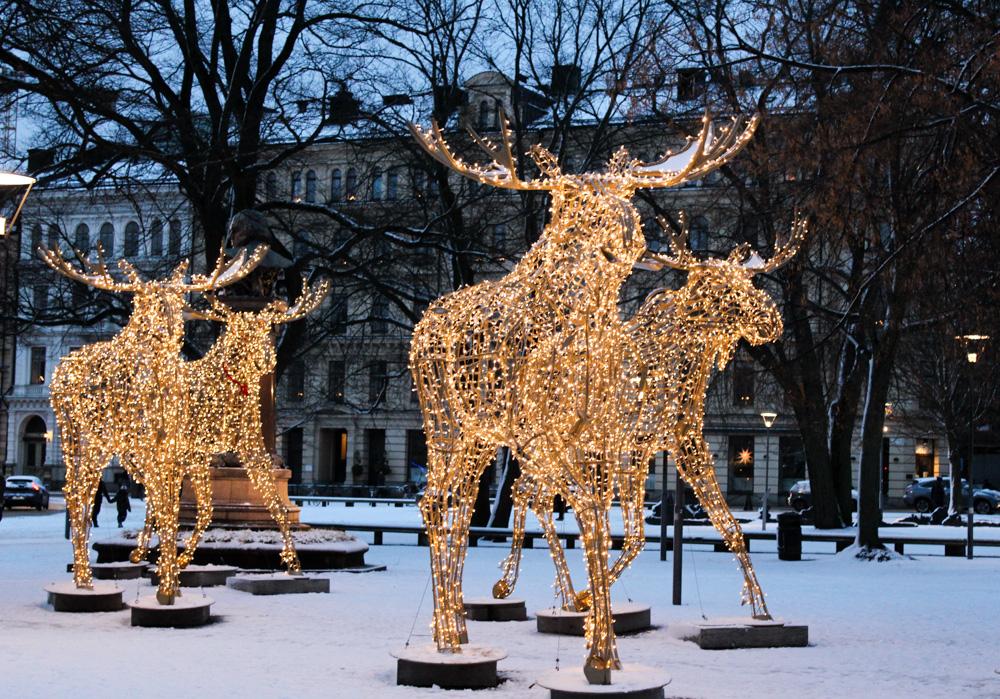 Stockholm Weihnachtszeit Tipps Weihnachtsdekoration Elch Beleuchtung Reiseblog