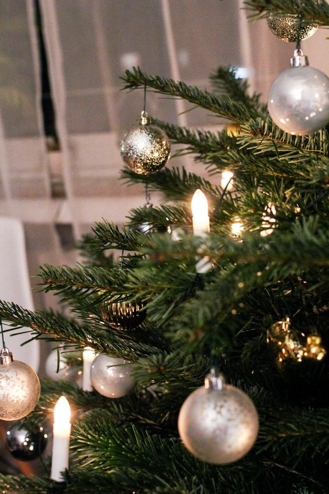 Weihnachtsdekoration Deko Idee Weihnachten Weihnachtsbaum Kugeln Ikea 2