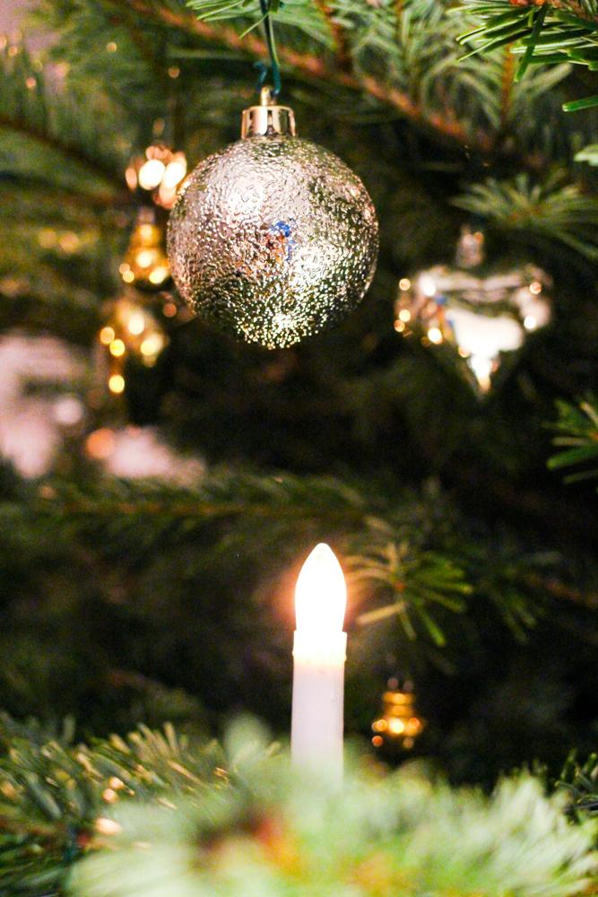 Weihnachtsdekoration Weihnachtsbaum Weihnachtskugeln silber Ikea
