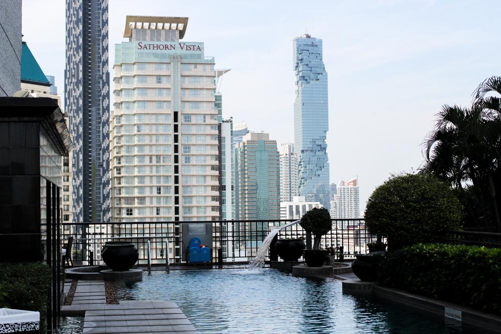 Banyan Tree Bangkok Hotel Pool Oase Thailand skyline Reiseblog 2