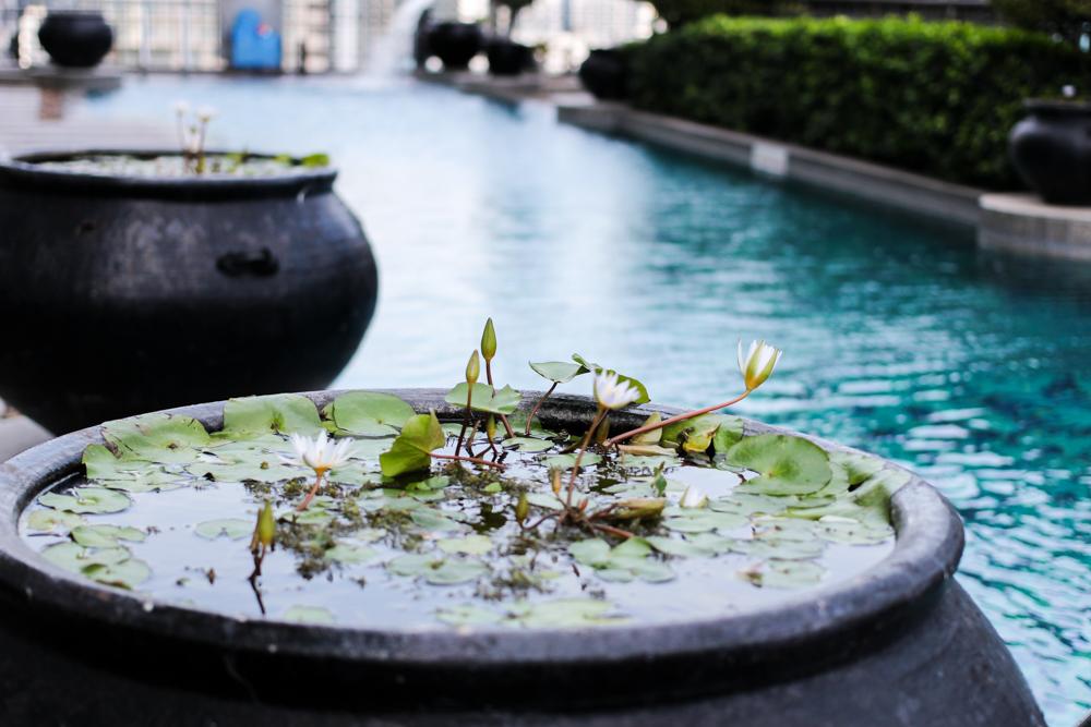 Banyan Tree Bangkok Hotel Pool Oase Thailand skyline Reiseblog