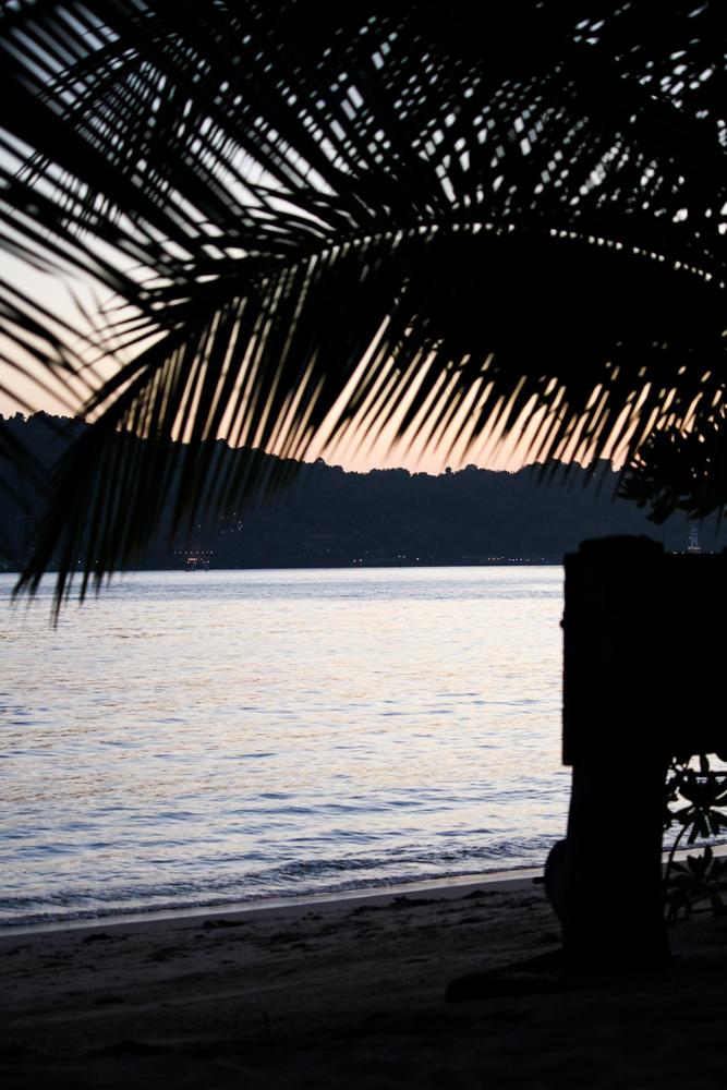 Chivapuri Beach Resort Hotel Koh Chang Thailand Palmen Traumstrand Palms Beach Sonnenuntergang