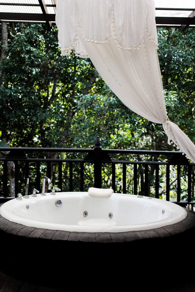 Panviman Spa Resort Hotel Chiang Mai Jacuzzi Villa Zimmer Thailand Reiseblog Whirlpool Terrasse 2