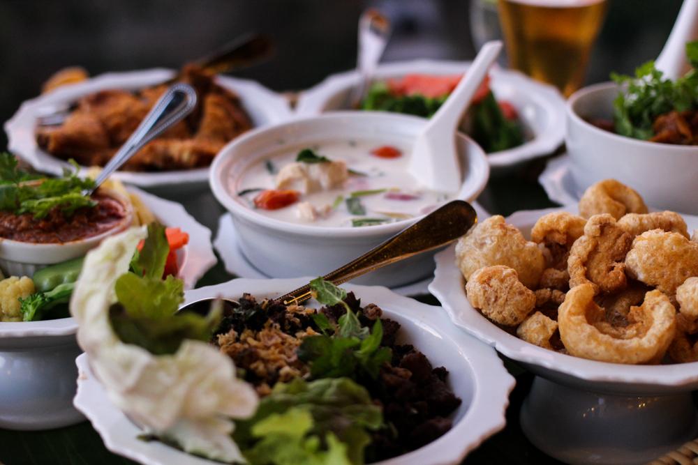 Panviman Spa Resort Luxus Hotel Chiang Mai Thailand Reiseblog Dinner nördliche Thai Gerichte Curry