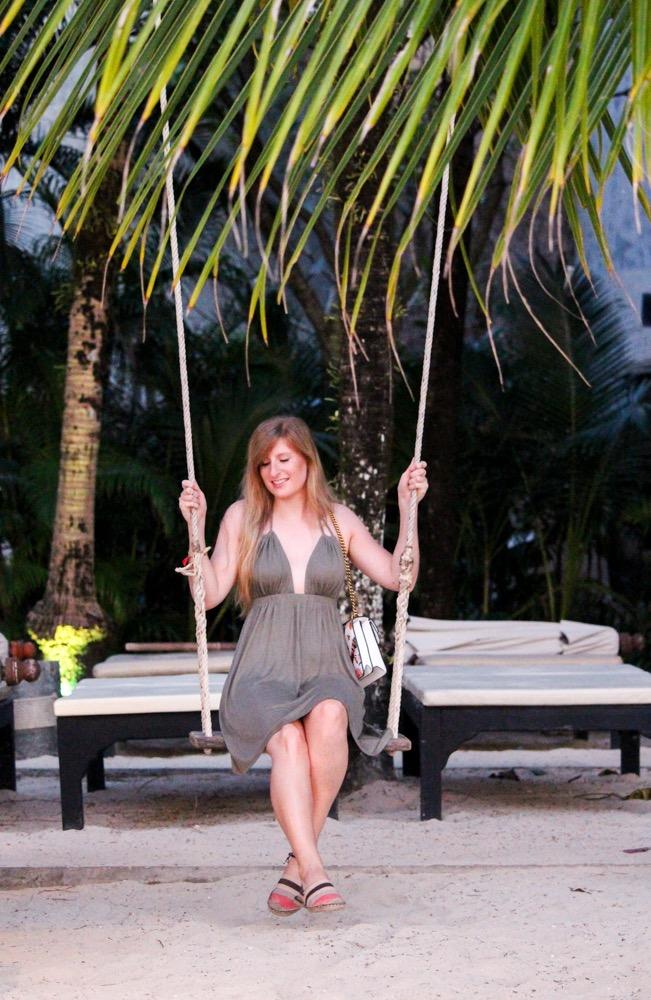 Thailand Strand Schaukel Beach Palmen Modeblog Koh Chang Outfit 5