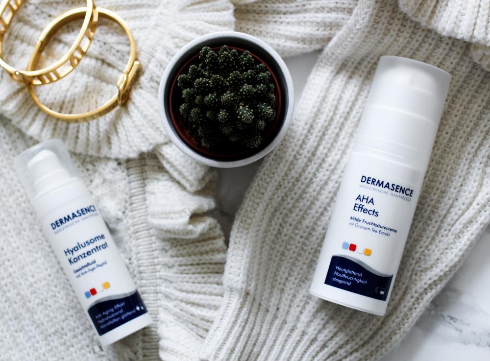 Winter Hautpflege Dermasence Feuchtigkeitscreme trockene Haut Beautyblog Flatlay
