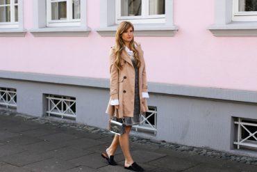 Slip Dress Samtkleid kombinieren Layering Bluse Trenchcoat Outfit Trend modeblog Bonn