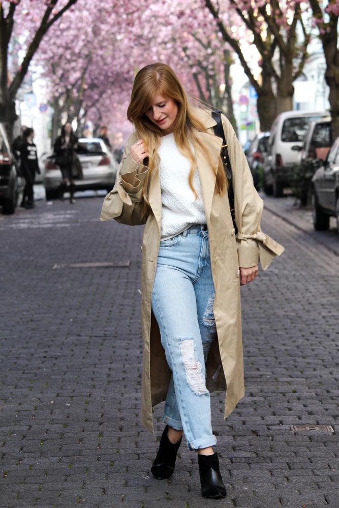Edited Trenchcoat MOM Jeans Streetstyle Blog Kirschblüten Heerstraße Bonn Outfit 1