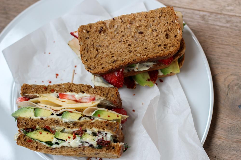 Herta Finesse Blogger Workshop Signature Sandwich Rezept Avocado Erdbeere Gouda Hähnchenbrust