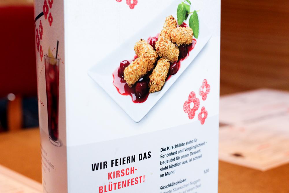 Kirschblütenfest MoschMosch bonn Kirschkäseküsse frittierter Käsekuchen japanisches Restaurant Bonn essen gehen Blog 2