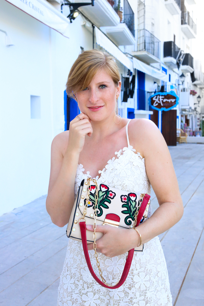 Ibiza Outfit Ibiza Style weißes Spitzenkleid Sandalen Emu Australia Fashion Blogger Streetstyle Ibiza Altstadt 6