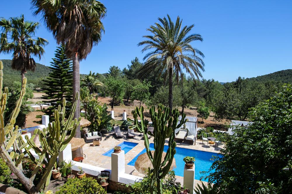 Ibiza Villa Typico San Miguel Traumvilla OneVillasIbiza Pool Aussicht Travelblog Ibiza Stil