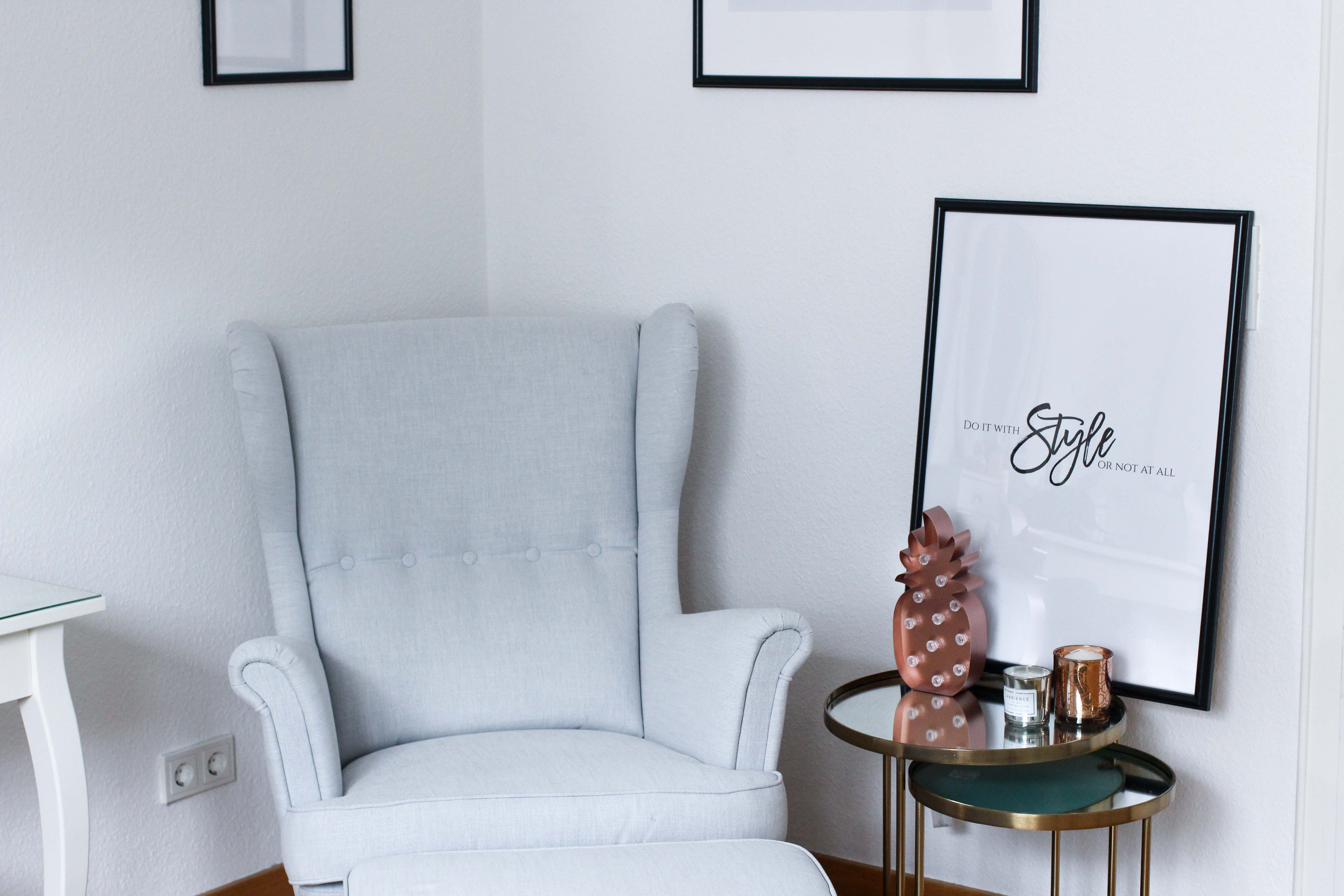 Interior Tipp Wohnung Poster Do it with Style or not at all Ankleidezimmer Blogger Ikea Sessel Posterlounge