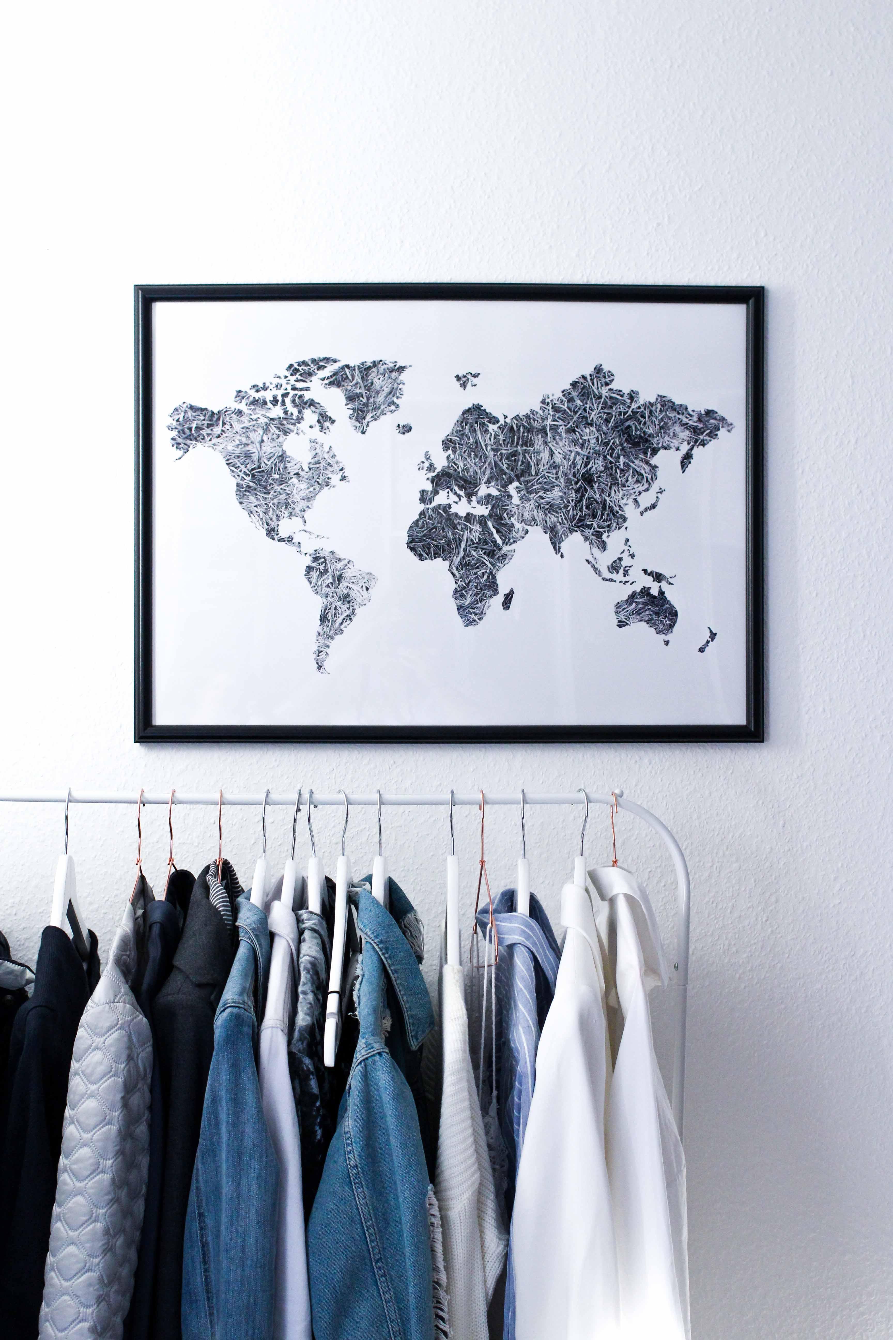 Interior Tipp Wohnung Poster Weltkarte Kleiderstange Ankleidezimmer Blogger Posterlounge
