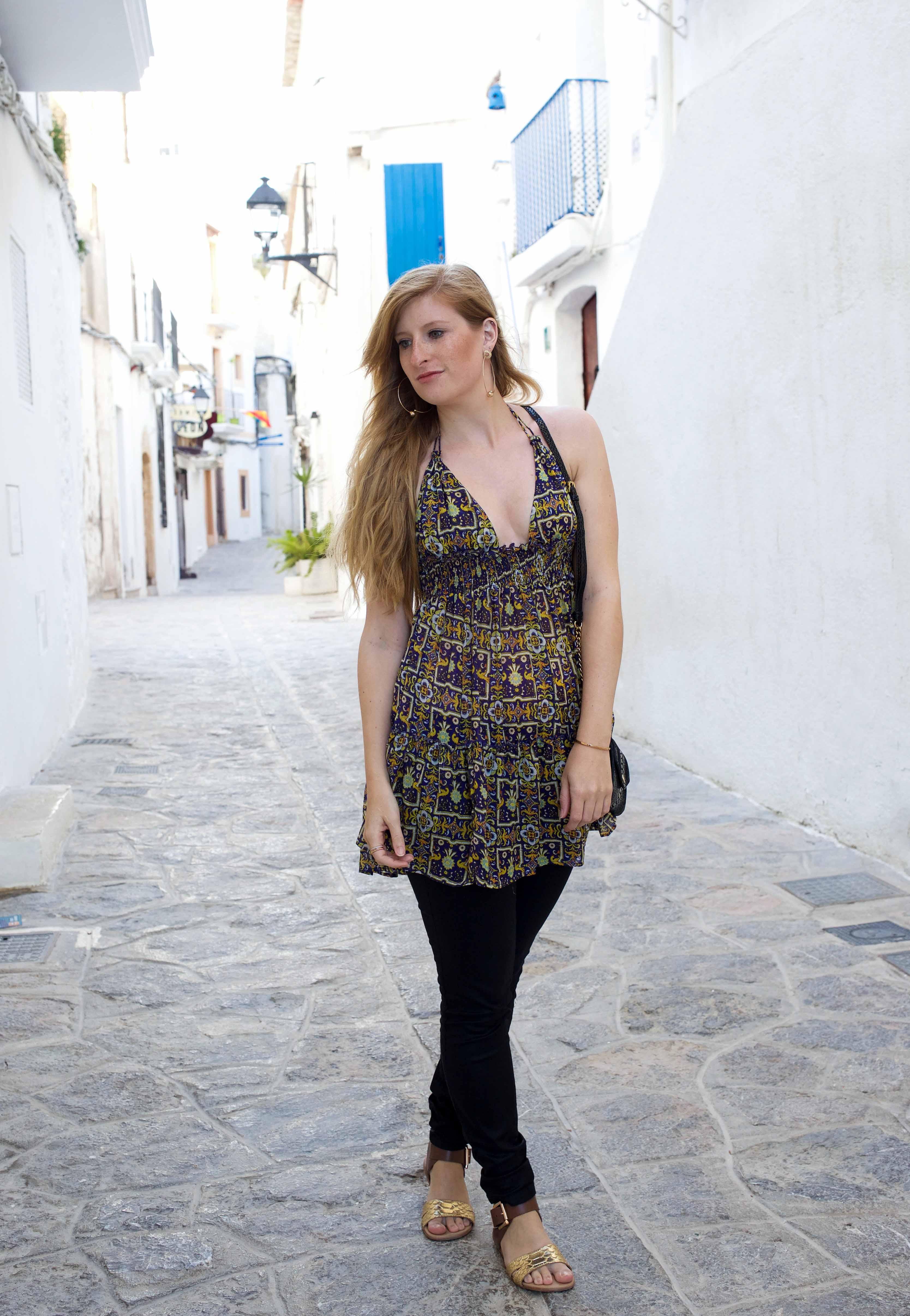 Luftiges buntes Oberteil Asos schwarze Skinny Jeans Frühlingsoutfit Ibiza Modeblogger Deutschland 8