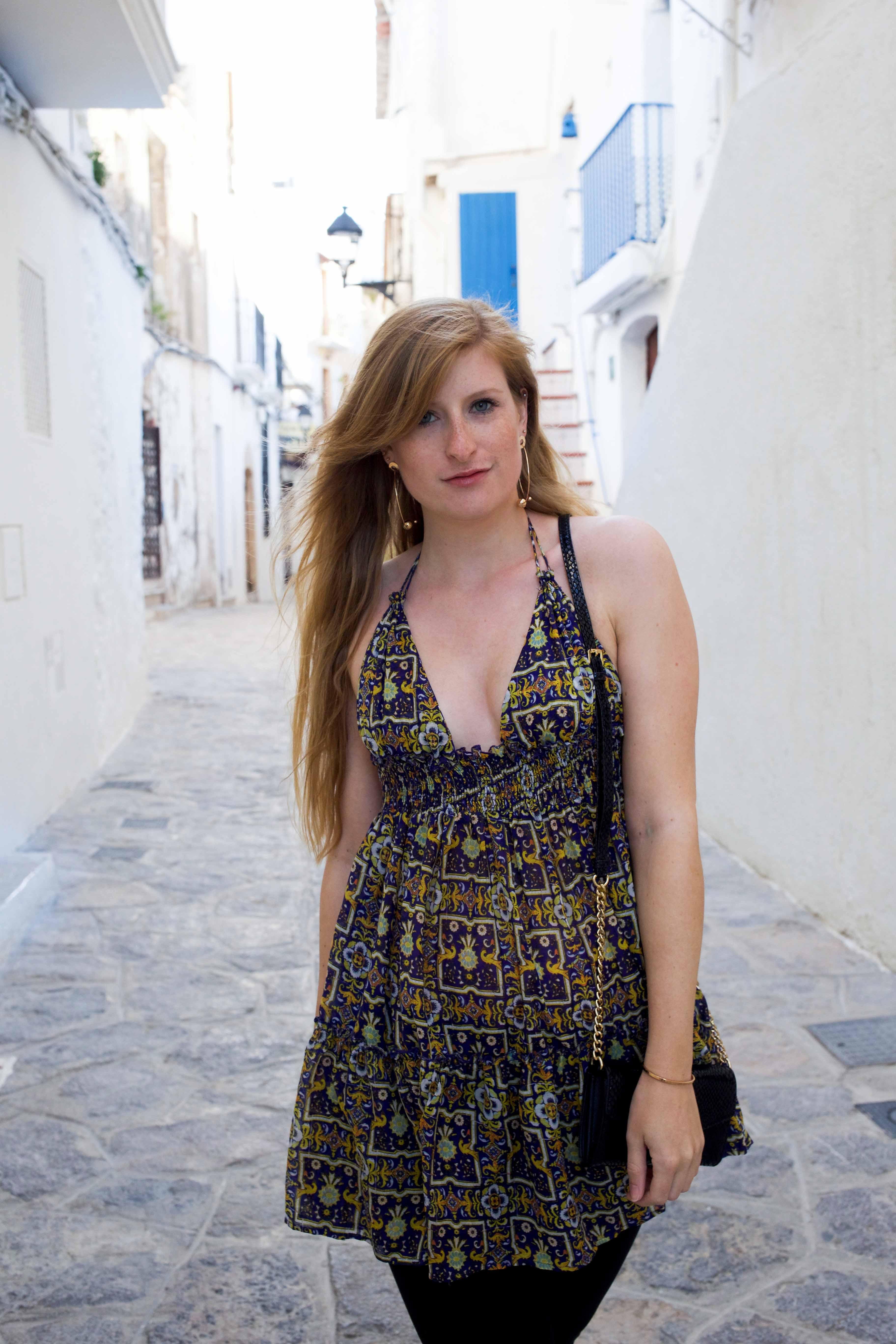 Luftiges buntes Oberteil Asos schwarze Skinny Jeans Frühlingsoutfit Ibiza Modeblogger Deutschland 9