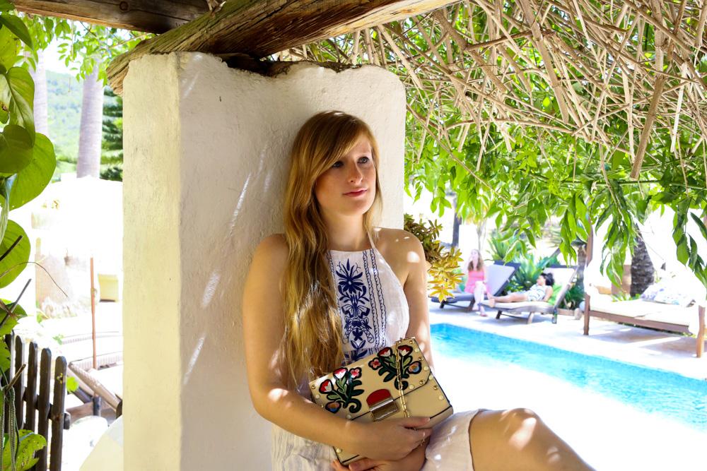 Sommeroutfit Ibiza Rückenfreies Sommerkleid Boho Stil Modeblogger Ibiza Villa 5