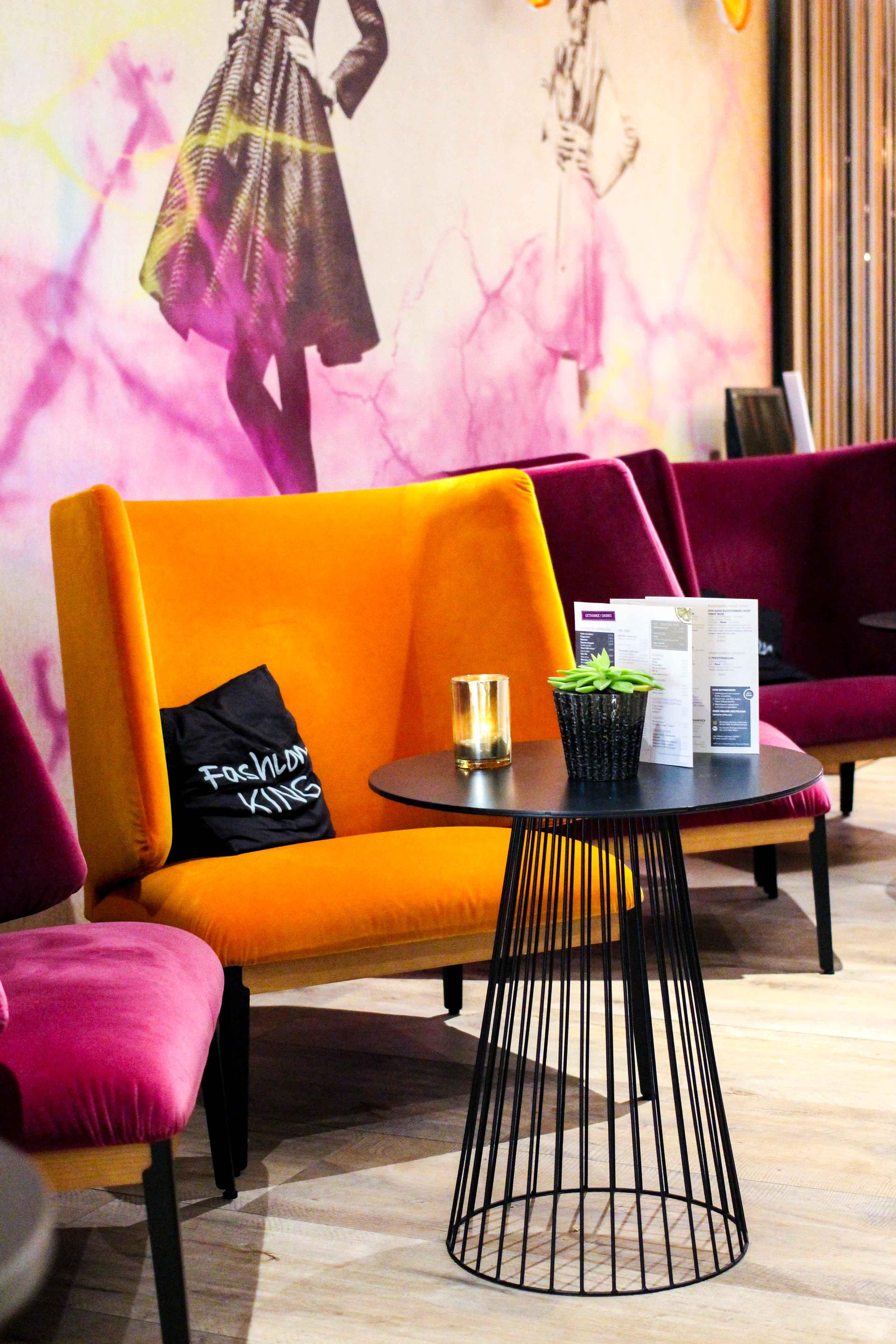 Hotel Fashion Week Mercure Hotel Berlin Wittenbergplatz Berlins Trend-Hotel Lobby Sitzecke 2