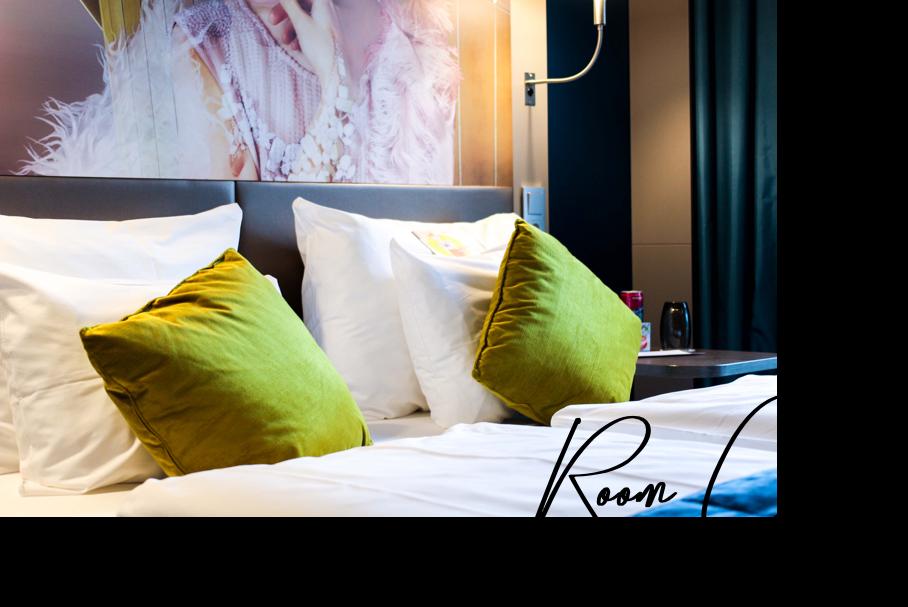 Mein Hotel zur Fashion Week Mercure Hotel Berlin Wittenbergplatz Berlins Trend-Hotel Modeblogger Zimmer Bett Room Goals