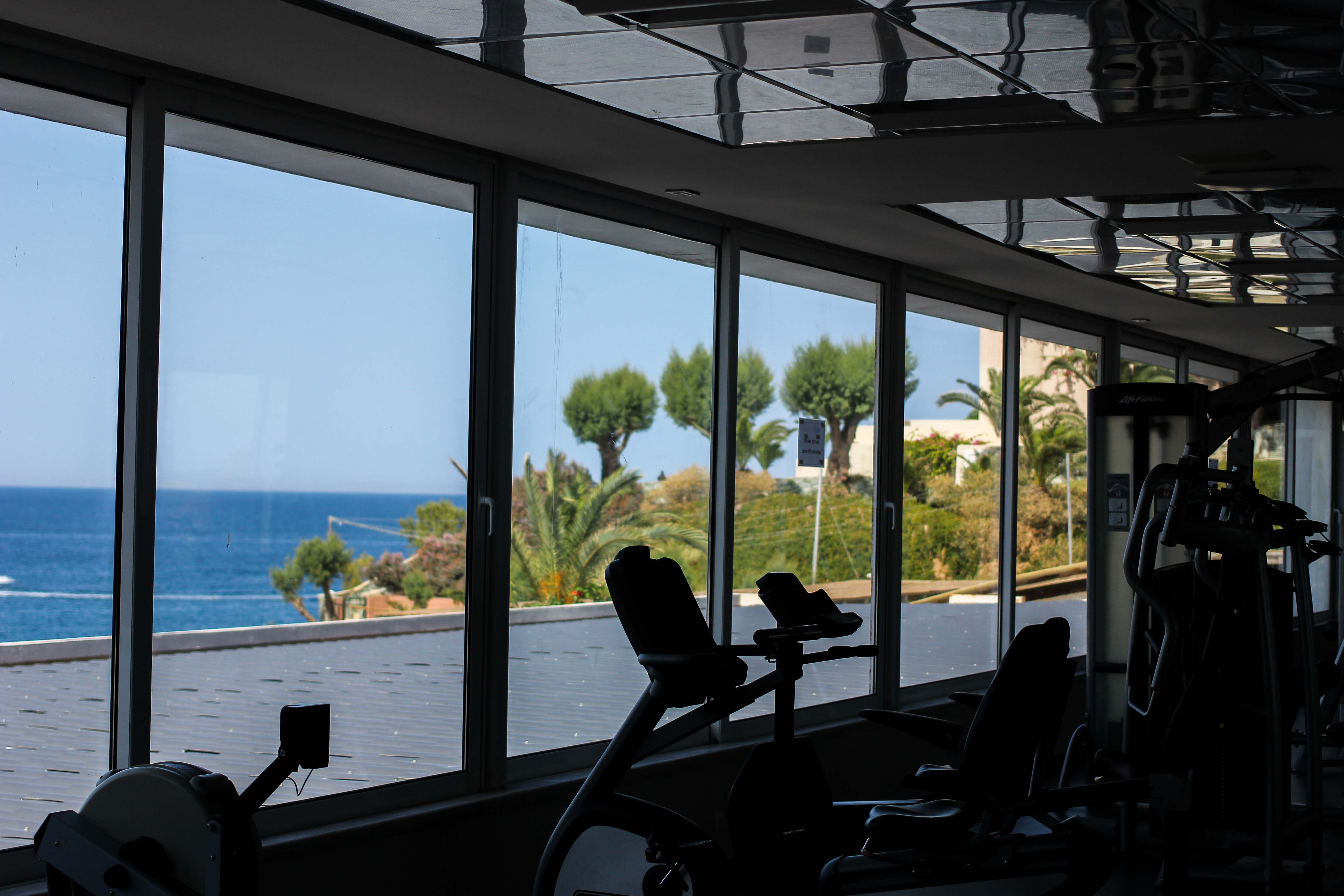 Out of the Blue Capsis Elite Resort Luxushotel Kreta Griechenland Reiseblog Fitnesstudio