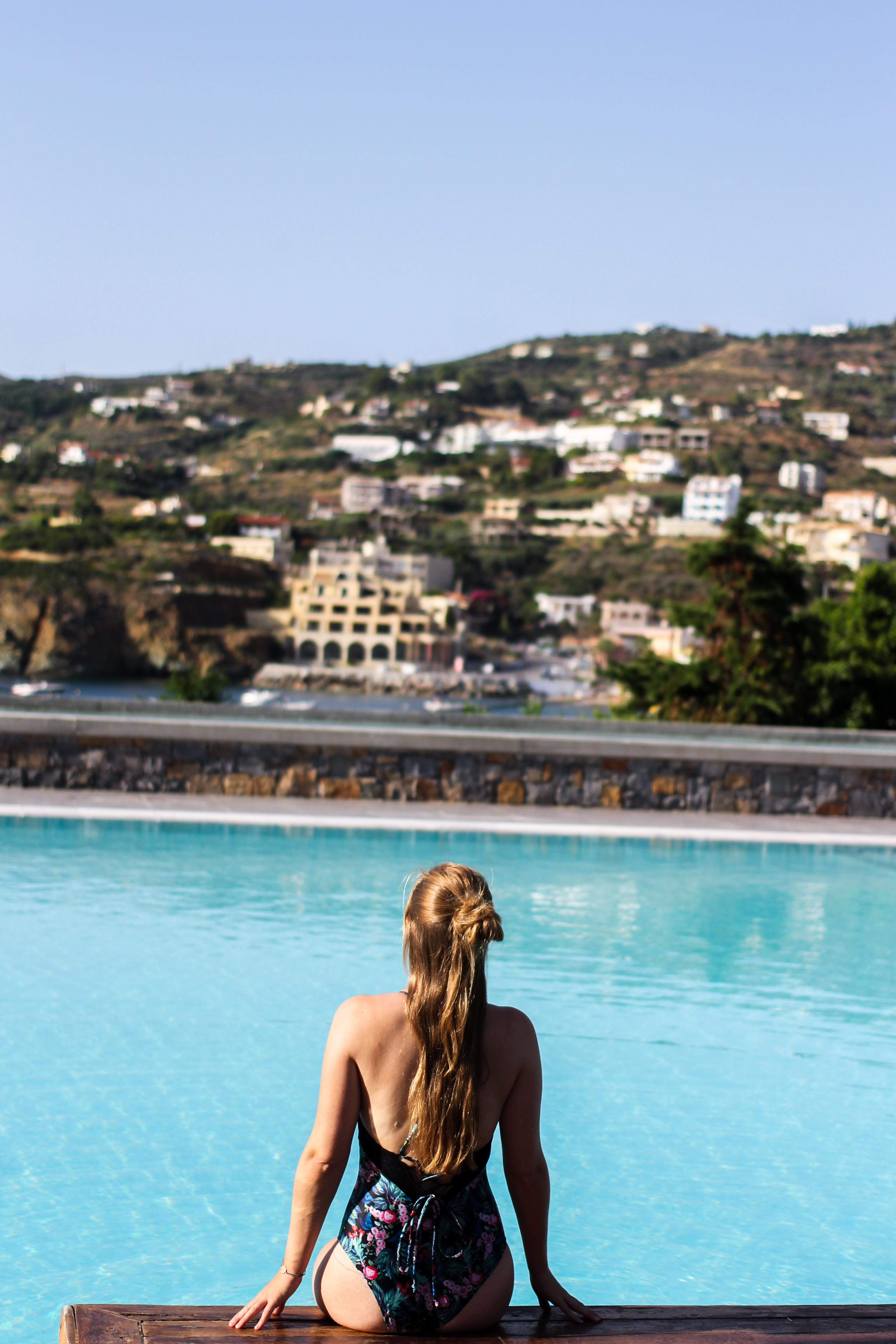 Out of the Blue Capsis Elite Resort Luxushotel Kreta Griechenland Reiseblog Pool Blogger BrinisFashionBook