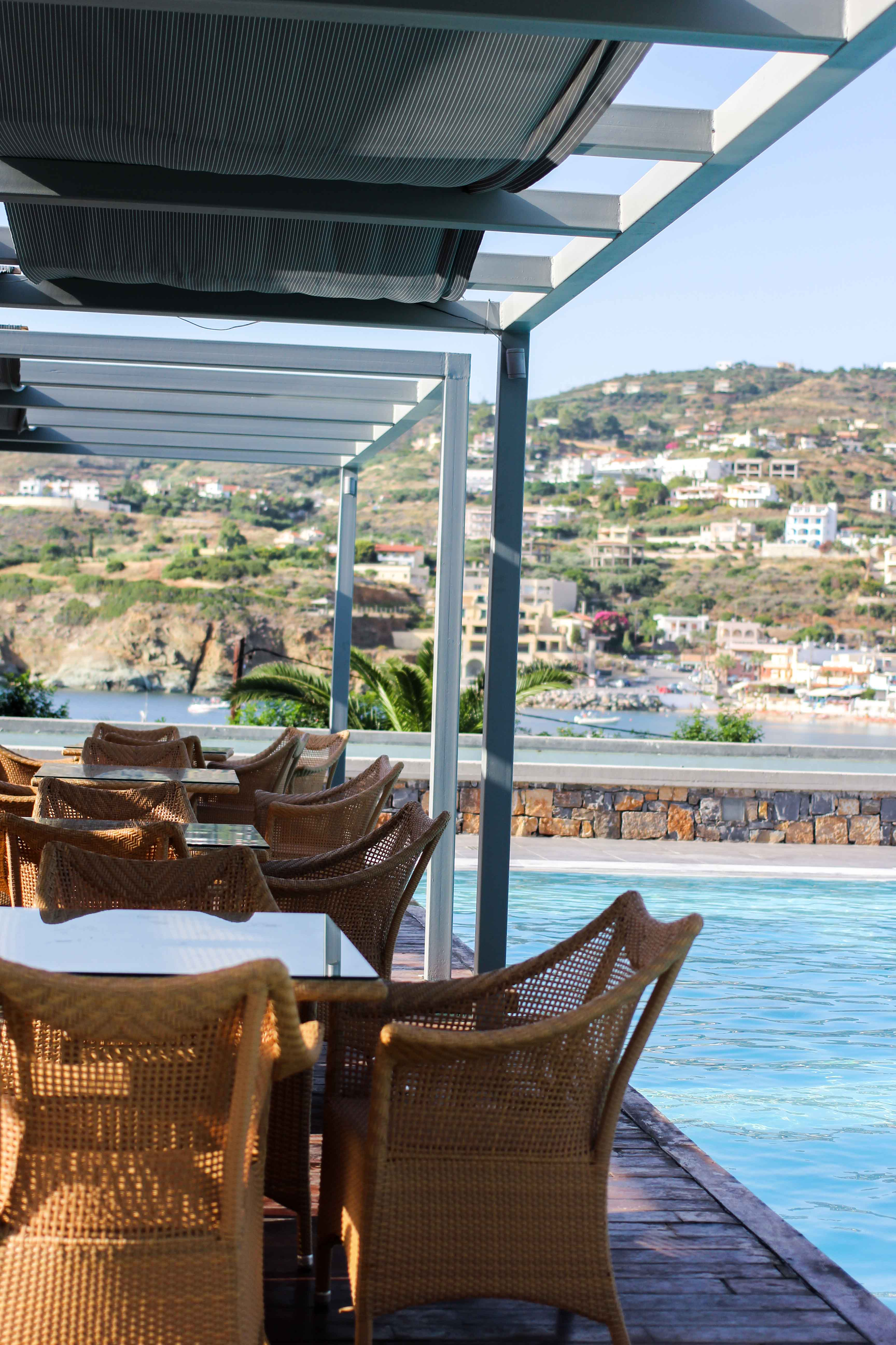 Out of the Blue Capsis Elite Resort Luxushotel Kreta Griechenland Reiseblog Pool Restaurant 2