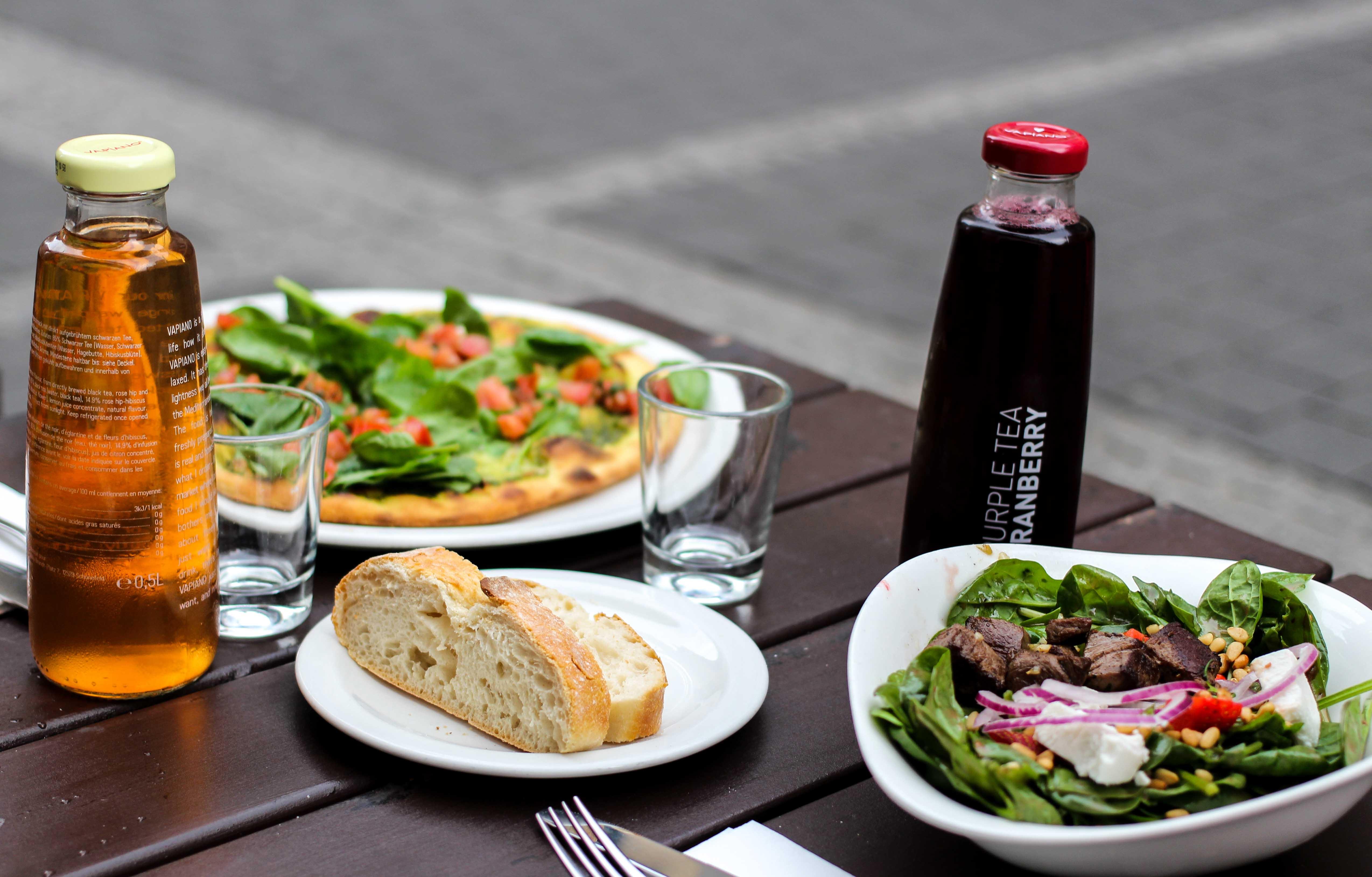 Vapiano Bonn Blogger Gesund frisch Essen gehen italienisch Bonn Salat Erdbeeren Spinat Rinderfilet 2